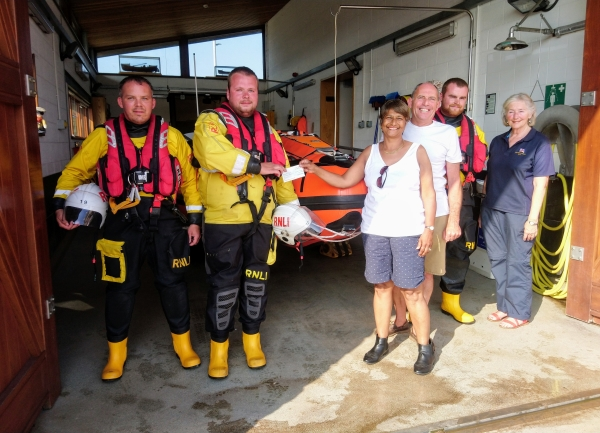Lifeboat and helicopter rescued Fishponds woman injured on beach