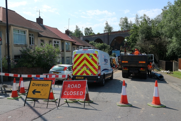 Burst main leaves thousands without water and closes busy road for days