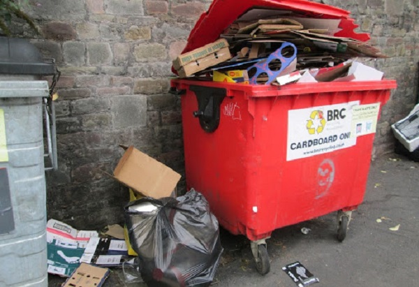 Ban on traders' bins to clean up pavements moves closer