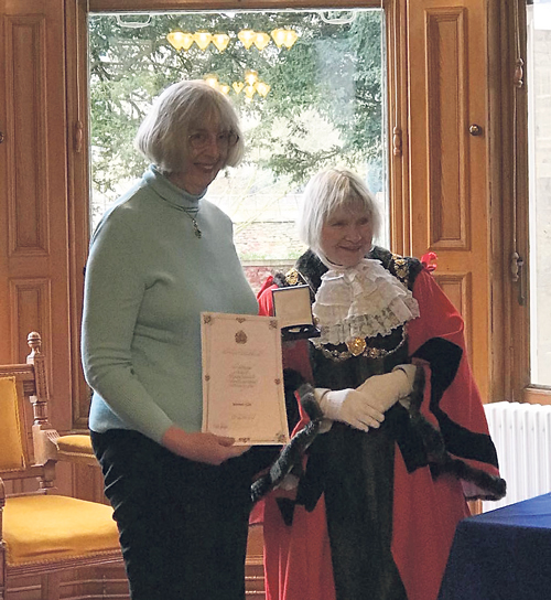 Maureen receives Lord Mayor's medal